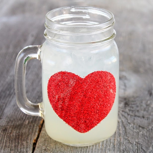 These cute DIY heart mugs will make anyone feel special on Valentine's day.