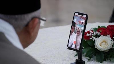 momen jokowi iriana dan maruf wury silaturahmi lewat video call 1 169 Silaturahmi Lewat Video Call, Jokowi-Ma'ruf Saling Tanya Kondisi Keluarga