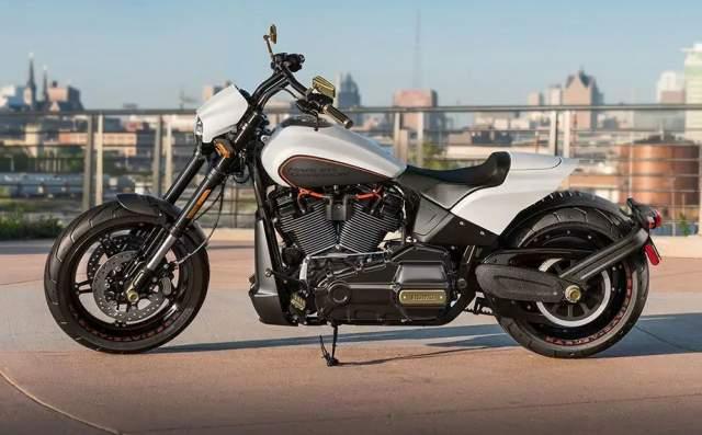 Harley Davidson FXDR 114 Kiri