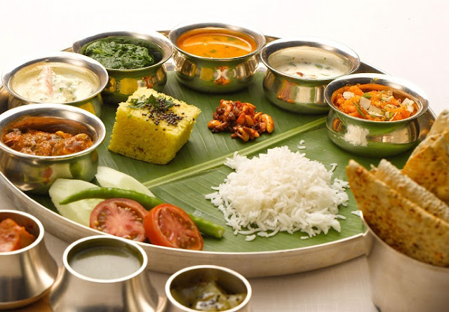 Enjoy India travel with local food