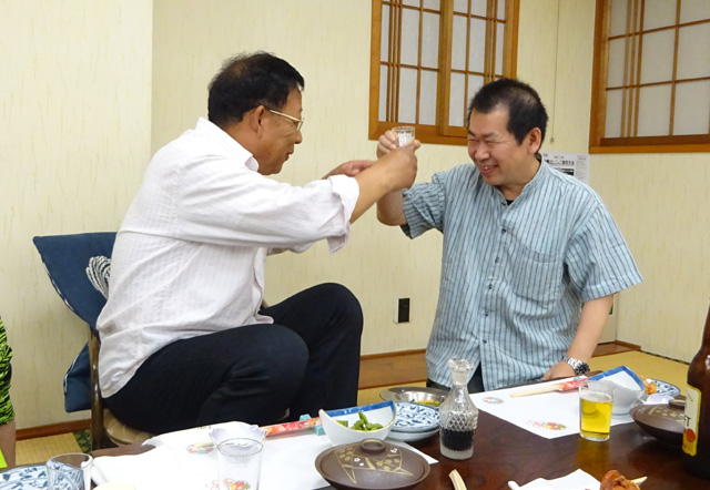Master Wu and Yu Suzuki have maintained their friendship over the years (photo from 2015).