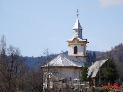 Biserica Lunca Bradului