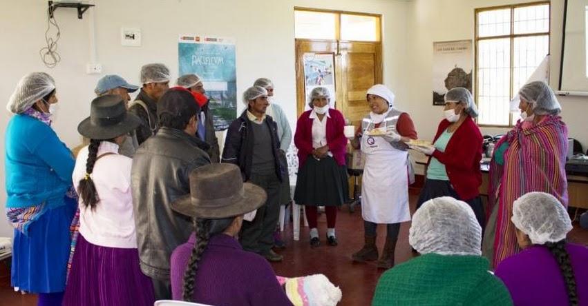 Qali Warma Huánuco fortalece a los Comités de Alimentación Escolar en el servicio alimentario - www.qaliwarma.gob.pe