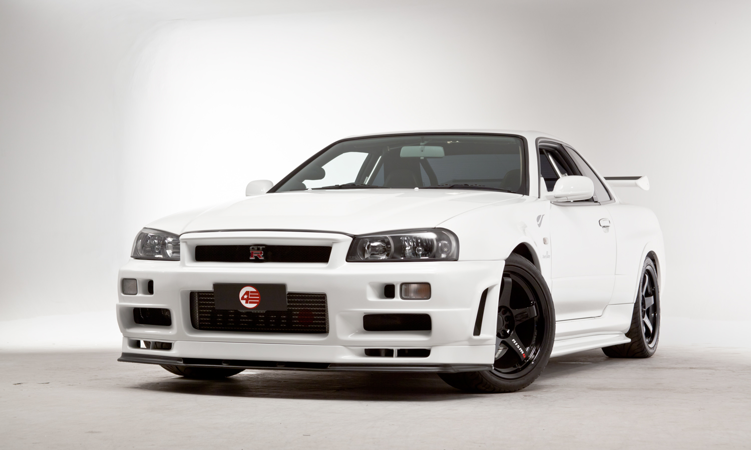 Cheap Car Tires >> Nissan R34 GT-R V-Spec II Nür R-Tune Is A JDM Special | Carscoops