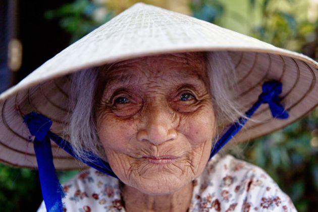 Bơ Vơ Phận Già - Vui Sống với Tuổi Già  DP-Lai-noi-chuyen-Co-don