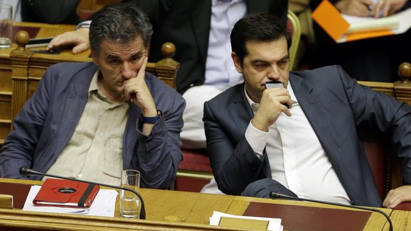 Μαξίμου: Αναζητά λύση που θα «ικανοποιεί» Θεσμούς και ΣΥΡΙΖΑ