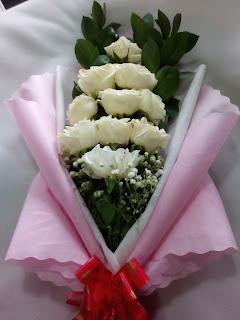 Hand Bouquet (WS-108)