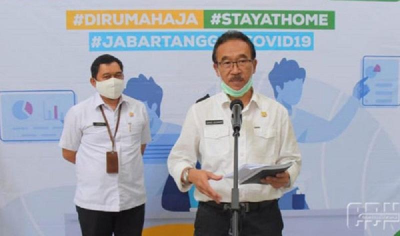 Ridwan Kamil Tandatangani Pergub PSBB Wilayah Jawa Barat