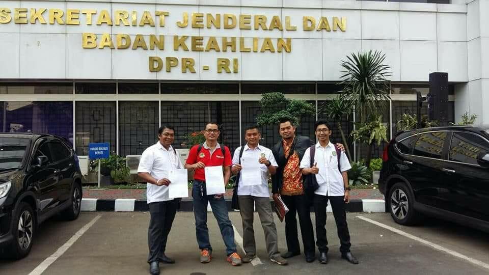 Data 81.199 Perawat Honorer Diserahkan ke DPR RI