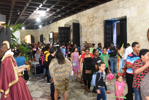 Entre música, teatro, artesanía y exposiciones se desarrolló la Noche Larga de los Museos