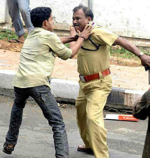 indian police fight