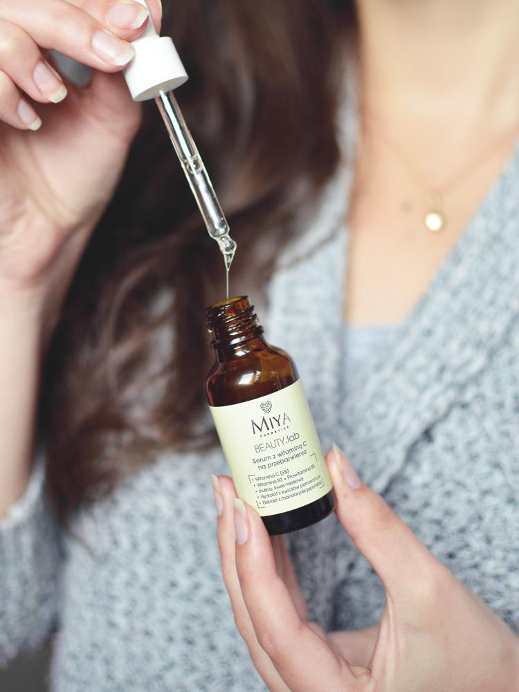 serum z witaminą c miya