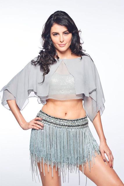 Mandana Karimi Gets Engaged