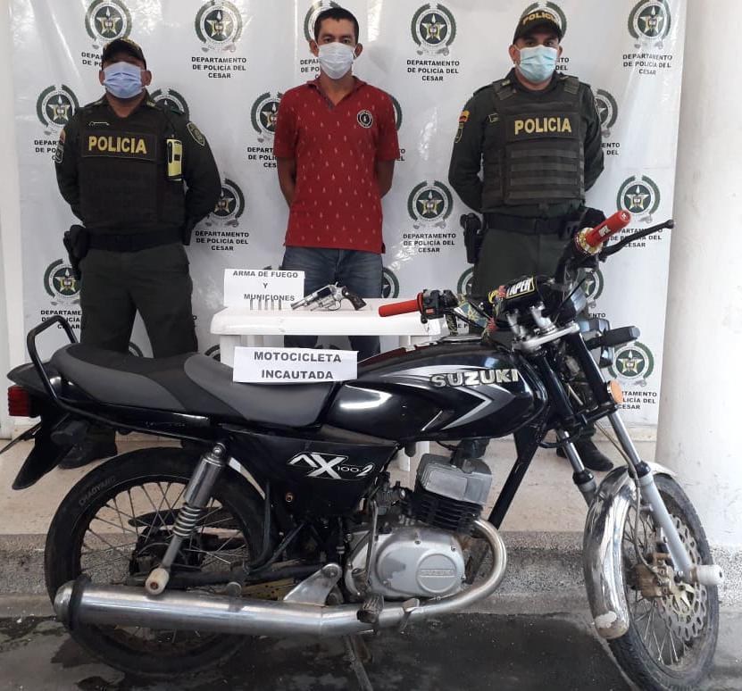 hoyennoticia.com, Armado y en moto capturan hombre con antecedentes judiciales