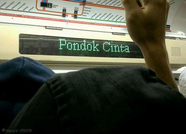 8 Kelakuan Lucu 'Orang Indonesia Naik Angkutan Umum' Ini Kocak Banget