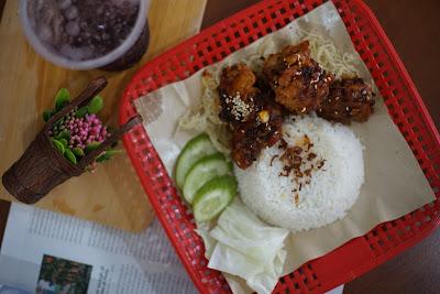 Pahe ayam crispy madu Tron Cyber, Cafe dan Eatery