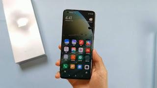layar Xiaomi Mi 10 Ultra