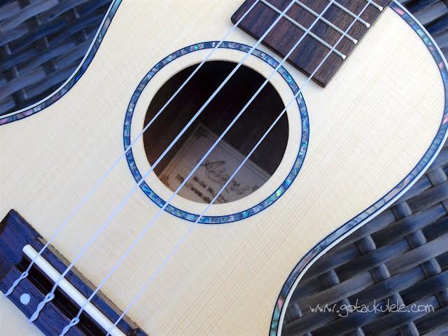 Aiersi SU-044T Concert Ukulele sound hole