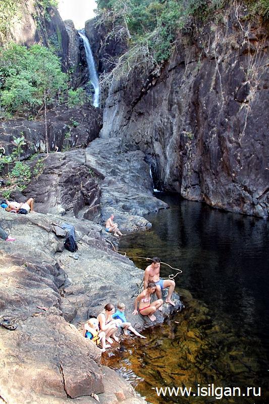 Vodopad-Klong-Plu-Waterfall-Ostrov-Ko-Chang-Tailand