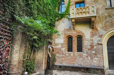El famoso balcón de Romeo y Julieta en Verona