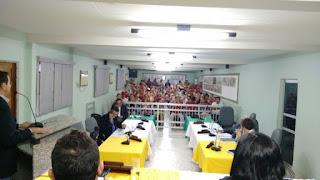 Presidente da Câmara de Picuí encerra sessão ordinária aos gritos e choca a população presente