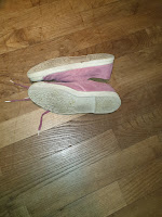 Les semelles des chaussures de Madame