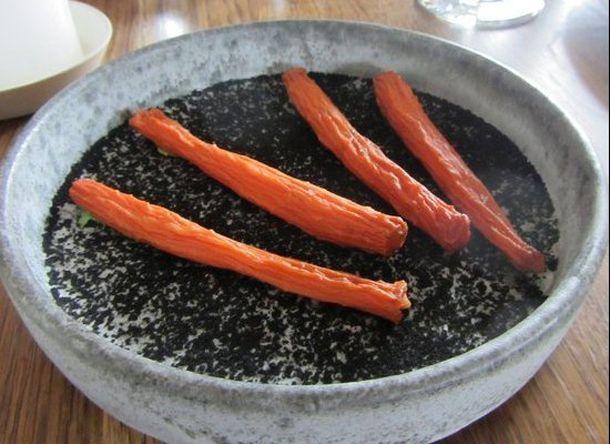 thumb licheni creveti pe gheata si morcovi deshidratati vezi cum arata farfuriile la cel mai bun restaunat din 6 Noma, Copenhaga... Cel mai tare restaurant din lume si n 2012   poze