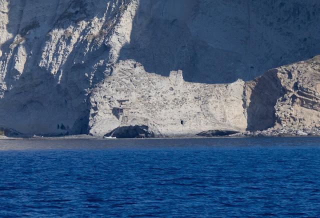 Casa-grotta Nido del Gabbiano - Capo Vardella, Palmarola @Valeriaderiso