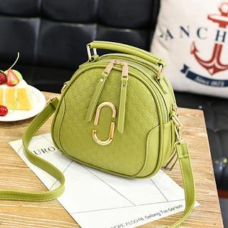 tas warna hijau