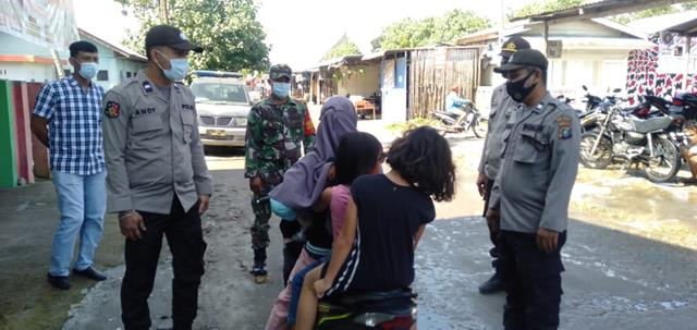 Posko Pasar Bersama Forkopimca Dilaksanakan Personel Jajaran Kodim 0207/Simalungun Cegah Penyebaran Covid-19