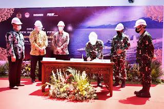 Pangkoarmada II Hadiri Penyerahan FFBNW Sewaco  KRI I Gusti Ngurah Rai-332