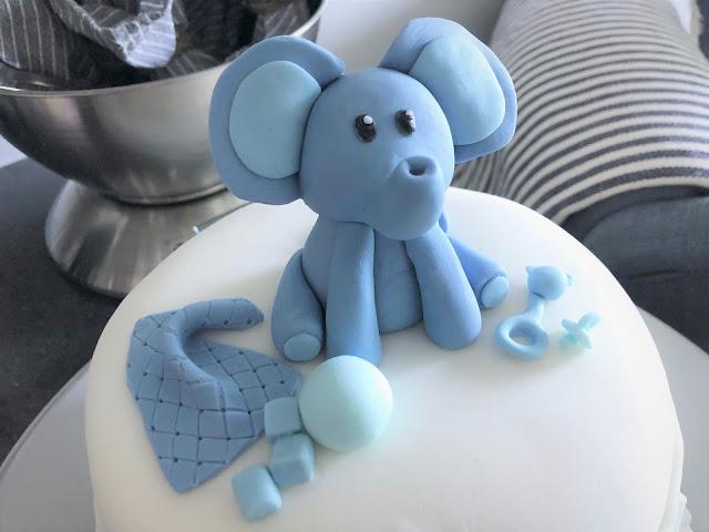 Kakku oli niin kaunis ja herkullinen