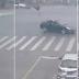 Βίντεο ΣΟΚ: Αυτοκίνητο πετάει στον αέρα τροχονόμο-Έκανε τέσσερις στροφές στον αέρα αλλά επέζησε