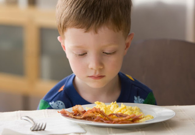 10 signs your child has food sensitivities