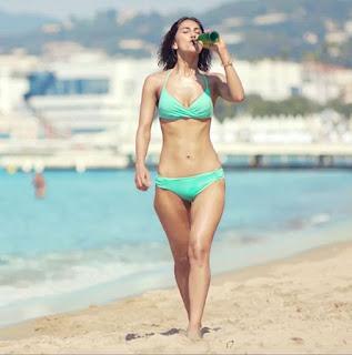 Vaani Kapoor in Green Bikini for Befikre   Stuning pics
