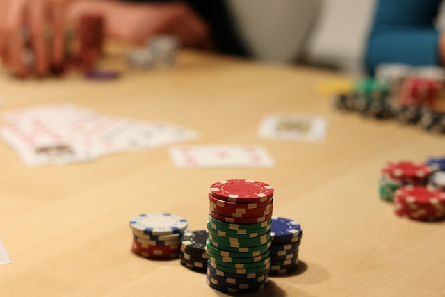 Float the flop and bet the turn to improve your poker winnings in 2018