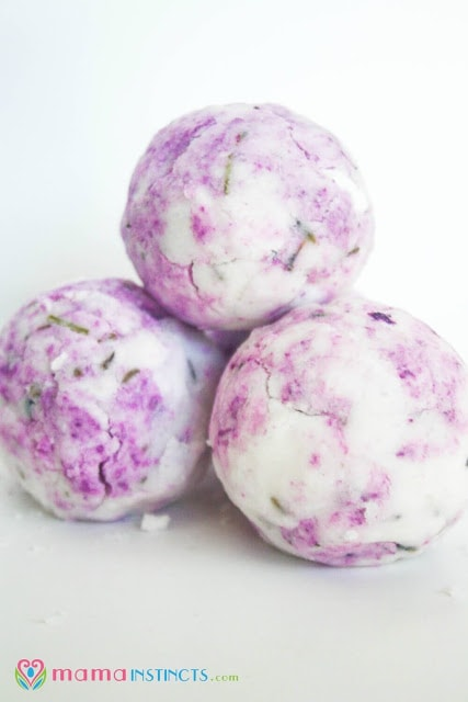How to make bath bombs - easy DIY bath bomb recipe