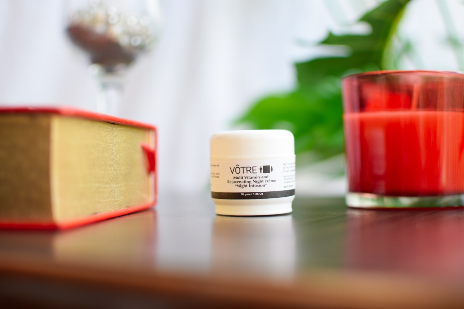Votre Multi Vitamin and Rejuvenating Night Crème