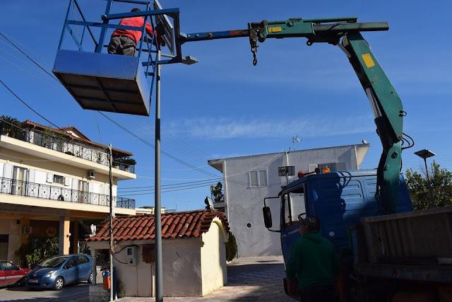 Δήμος Ανδραβίδας-Κυλλήνης: Έργα αντικατάστασης υπάρχοντος ηλεκτροφωτισμού στις τρεις πλατείες του Νεοχωρίου