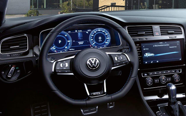 VW Golf GTE 2020 - interior