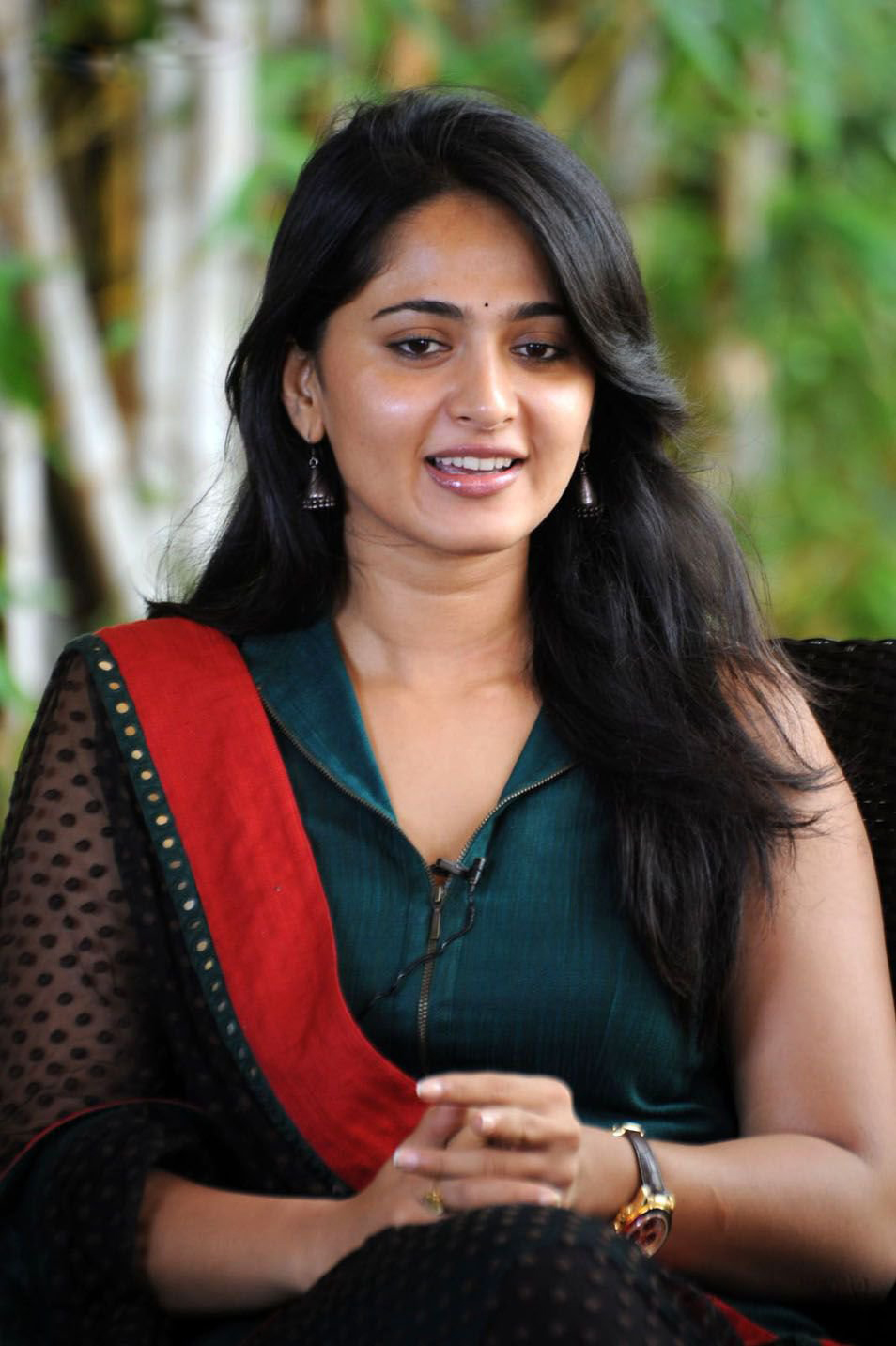 Anushka Shetty Pictures Hot - High Resolution Pictures-6440