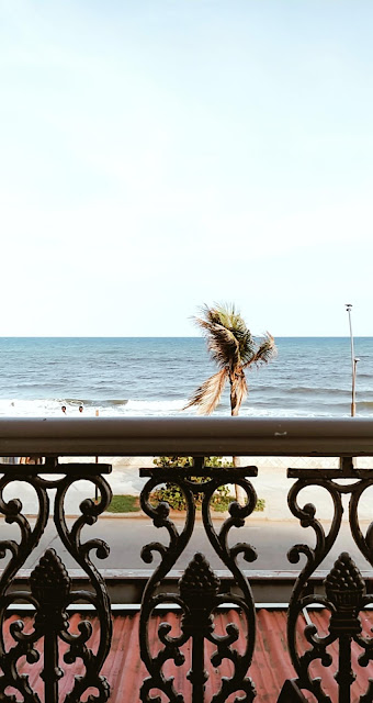 Pondicherry-travel-weekend-getaway-style prism-blog-street photography-sea-view-balcony