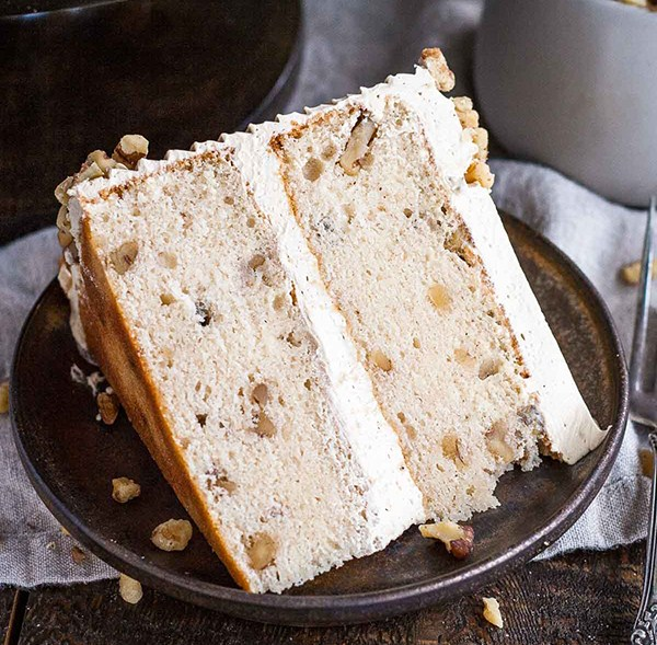 WALNUT CAKE WITH BROWN SUGAR BUTTERCREAM