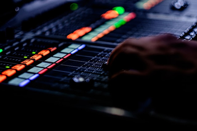 Belajar Audio Mixing - EQ sebelum atau sesudah Compressor, Mana yang Benar