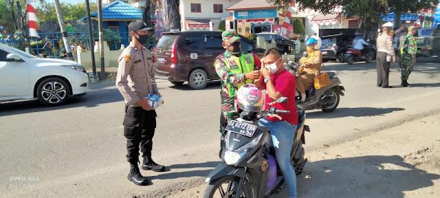 Personel TNI-Polri Gelar Operasi Protokol Kesehatan