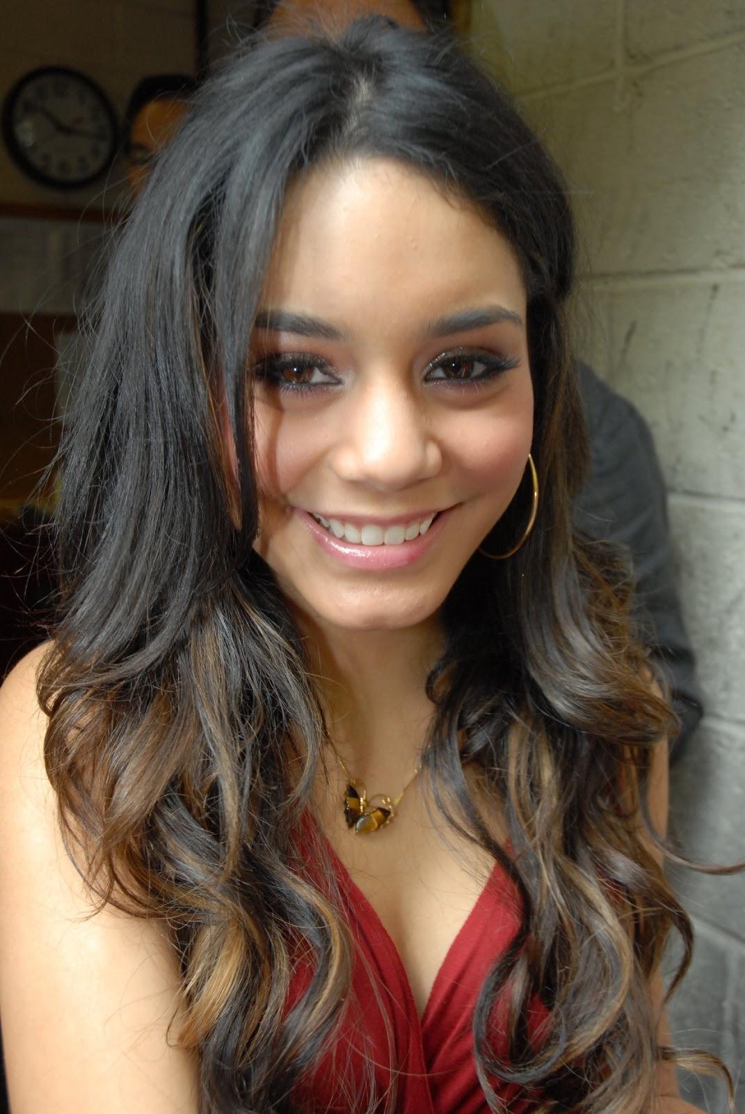 Sexy Pics Of Vanessa Hudgens 6