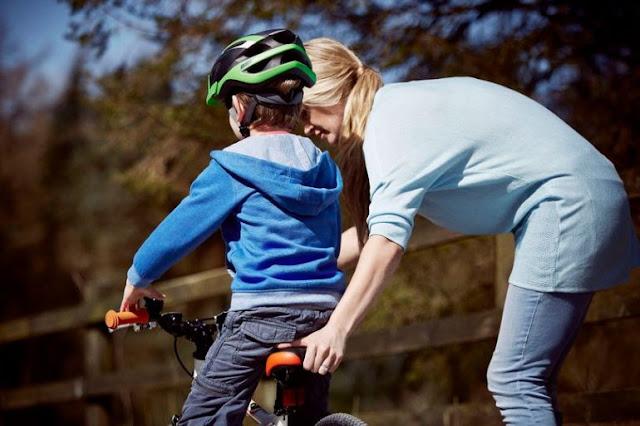قواعد لسلامة طفلك أثناء قيادة الدراجة