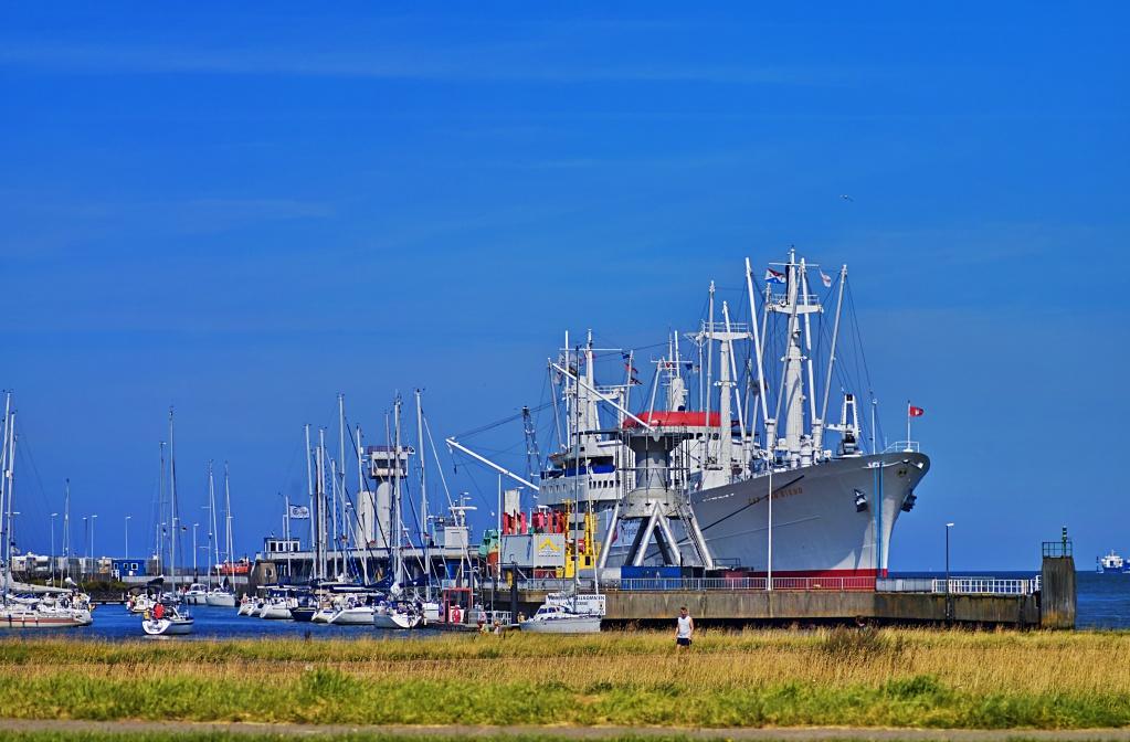 #136 Vivitar Zoom f3.8 75-205mm - Museumschiff in Cuxhaven