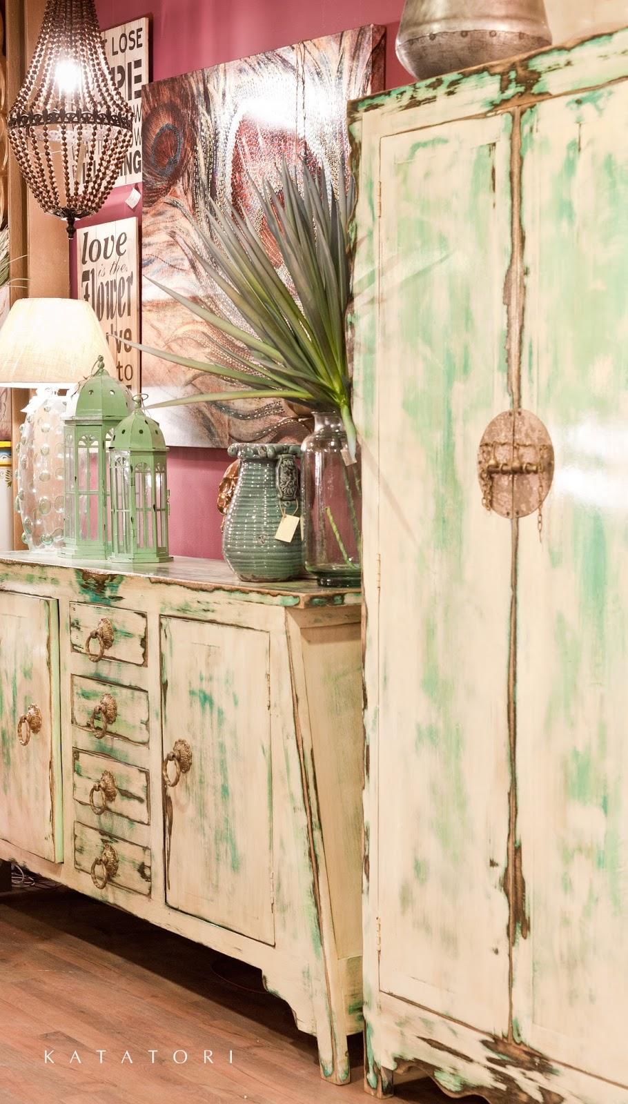 Katatori interiores decoraci n blanco y verde - Muebles decoracion sevilla ...