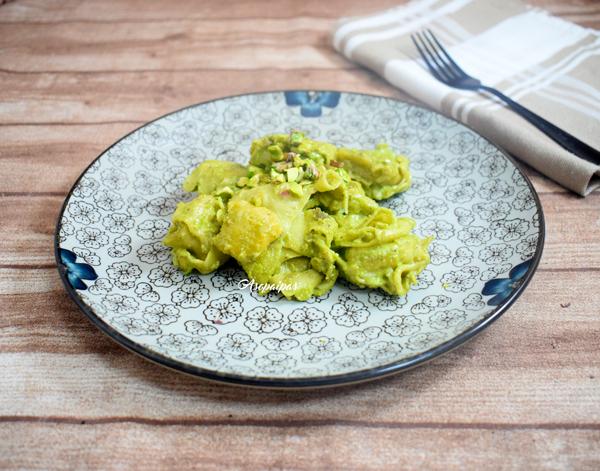 Tortellini con Pesto de Piñones. Vídeo Receta